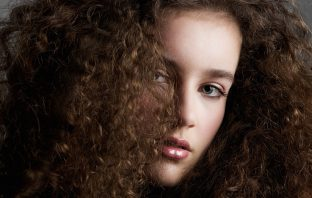 can the top rated hair dryer with diffuser contain this curly hair